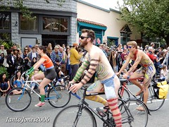 DSCN2170 (IantoJones2006) Tags: fremont solstice cyclists 2017 naked bike seattle parade nude painted body paint bicycle