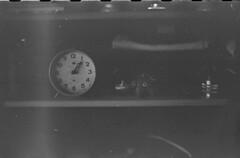 0874 (nori 4_4) Tags: clock old stilllife pentaxsp mcpentacon5018 neopanss expiredfilm d76 11