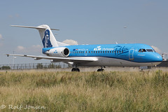 PH-KZU Fokker 70 KLM Schiphol EHAM 18.06-17 (rjonsen) Tags: plane airplane aircraft taxying wave waving greeting special scheme livery ttail amsterdam airport thank you anthony fokker