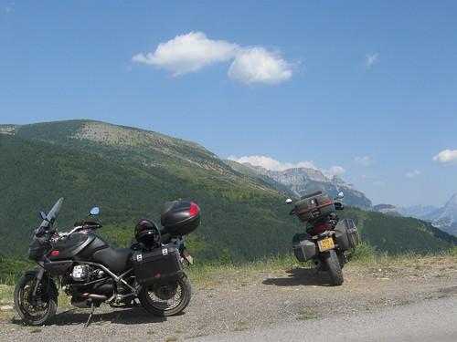 2017-06 Picos en Pyreneeën twee Guzzi's voor de bergen