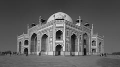 Humayun's Tomb (haelio) Tags: camerasonya7r2 sixteenbynine india mughal humayun tomb emperor fultrawide fwide desaturated blackandwhite maqbara mongol delhi new yamuna mausoleum