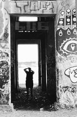 Graffiti Pier_012_01 (mujetdebois) Tags: halideproject 35mm canonelan100 ilfordfp4plus400 graffitipier blackandwhite analogphotography biancoenero blackandwhitephotography filmisnotdead filmlives graffiti filmphotography monochrome negroyblanco noirblanc schwarzundweiã streetart streetportrait schwarzundweis черноеибелое