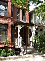 Chicago, Old Town Triangle, Residence (Mary Warren (8.7+ Million Views)) Tags: chicago oldtowntriangle architecture building house residence porch stairs railing fence