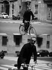 [La Mia Città][Pedala] (Urca) Tags: milano italia 2017 bicicletta pedalare ciclista ritrattostradale portrait dittico bike bycicle nikondigitale scéta biancoenero blackandwhite bn bw 10225
