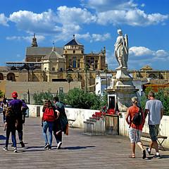Puente Romano, Còrdoba, España (pom.angers) Tags: panasonicdmctz30 europeanunion april 2017 andalusia andalucìa spain españa people religion còrdoba 100