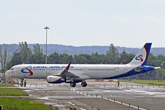 A321-231 VP-BSW URAL AIRLINES ex EI-FXS (shanairpic) Tags: jetairliner a321 airbusa321 shannon iac eirtech uralairlines eifxs vpbsw