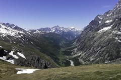Val Ferret vu depuis le col (michel.frederic_constant) Tags: valferret courmayeur mtblanc alpes savoie montagne col tmb sony alpha7 ilce7 zeiss loxia biogon