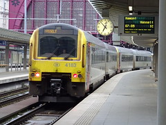 NMBS/SNCB 4183 @ Antwerpen Centraal (Sim0nTrains Photos) Tags: nmbssncb sncb nmbs class41 dieselmultipleunit alstom dmu nmbsclass41 sncbclass41 4183 antwerpencentraal antwerpencentraalstation antwerpencentraalrailwaystation antwerpcentral