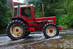 IMG_0444 (Yorkshire Pics) Tags: 1006 10062017 10thjune 10thjune2017 newbyhalltractorfestival ripon marchofthetractors marchofthetractors2017 ford fordcrossing river rivercrossing tractor tractors farmingequipment farmmachinery agriculture yorkshire northyorkshire