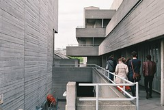 Architectural tour of National Theatre (@JackLongman_Photo) Tags: people street everybodystreet shootfilm ishootfilm afgavista200 canoneos500n 35mm arts design brutalist brutalism london guidedtour architectural nationaltheatre ntlondon