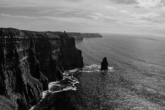 Cliffs of Moher - Ireland (Jethro_aqualung) Tags: cliff cliffs moher ireland irlanda éire sea water ocean mare oceano bn bw monchrome outdoor rock landscape nikon d3100 nature paesaggio natura scogliera doolin clare horizon atlantic way black white