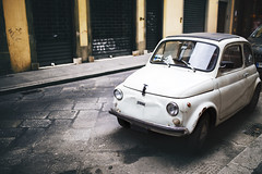 Streets of Florence (desomnis) Tags: florence firenze italy italien street urban streets travel traveling car fiat classical oldcar streetphotography canon canon6d 6d bokeh dof 35mm sigma35mmf14 desomnis urbanphotography streetshot streetcandid reflection sigma35mm