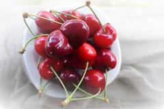 siamesi (M a r i S à) Tags: cherries siamese conjoinedtwins onwhite whitebackground fruit odd strange