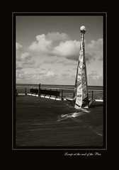 Lamp at the end of the Pier (EL8D) Tags: sonya300 southport pier bw florabellaclassicrichbw