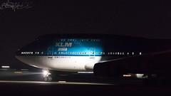 KLM Royal Dutch Airlines Boeing 747-406M PH-BFY (benji1867) Tags: klm royal dutch airlines boeing 747406m phbfy night pan panning lump jumbo jet kl city johannesurg ams amsterdam schiphol airport airline airliner avgeek avporn aviation fly flight flying landing polderbaan canon 7d2 dark handheld eham netherlands holland