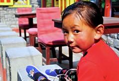 Nepal- Mustang- Kagbeni (venturidonatella) Tags: nepal asia mustang kagbeni portrait ritratto children bambini gentes people persone colori colors sguardo look nikon nikond300 d300 emozioni