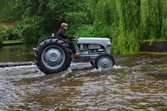 IMG_0441 (Yorkshire Pics) Tags: 1006 10062017 10thjune 10thjune2017 newbyhalltractorfestival ripon marchofthetractors marchofthetractors2017 ford fordcrossing river rivercrossing tractor tractors farmingequipment farmmachinery agriculture yorkshire northyorkshire