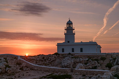 Cavalleria Lighthouse, Menorca (retniwave) Tags: menorca spain españa lighthouse faro sunrise salidadelsol light luz sky clouds cielo nubes paradise pink sun sol nikon d750 2470mm nikkor seaside sunrays