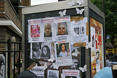 Missing Persons (ChiralJon) Tags: london bramley road public notices fire tragedy missing persons gb community support londres londra news noticias nouvelles borough kensington notizia grenfell tower