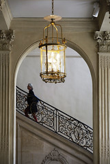 (cherco) Tags: woman stairs escaleras mujer up gold lamp lampara museum city arch arco composition composicion colour canon ciudad rodin museo lonely solitary 5d palace palacio