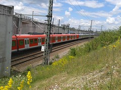 S1 in Laim (christophrohde) Tags: sbahn laim münchen bahn trains treni