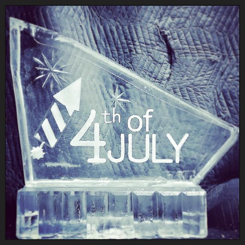 Stocking up these #4thofjuly #shotblocks on a #freezerfriday Contact us to order yours for the #holiday #fullspectrumice #thinkoutsidetheblocks #brrriliant - Full Spectrum Ice Sculpture