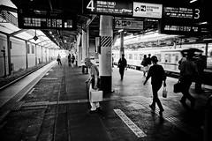 Kashiwa platform 01 (Camera Freak) Tags: train kashiwa blackandwhite monochrome leica m10 28mm perar