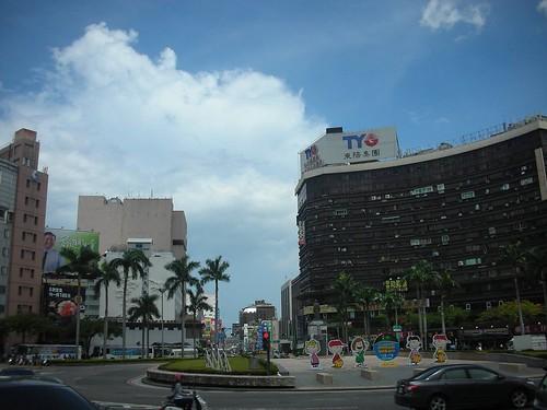 台南站前 街景