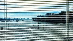 pela janela (luyunes) Tags: urca iedrio riodejaneiro praia mar janela fresta motoz luciayunes