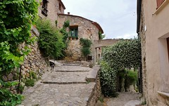 Eus, Conflent (thierry llansades) Tags: eus 66 conflent roussillon perpignan perpigna cerdagne cerdagna cerdana prades millas ille tet village catalunya cataluna mosset castellane chat patrimoine ville