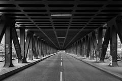 Oberhafenbrücke, Hamburg (stein.anthony) Tags: cityscape cityhighlight city hafencity hafenviertel stadt speicherstadt germany deutschland street strase architektur architecture sw schwarzweis bw blackandwhite brücke bridge