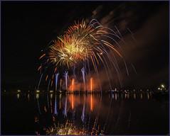 Bay City Fireworks - 2017 (TAC.Photography) Tags: fireworks firework baycity 4thjuly celebration saginawriver color framed holiday tomclarkphotographycom tomclark tacphotography