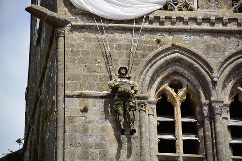 Paratrooper at Sainte Mère Église (Normandie, France 2017)