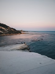 2017-05-07 01.21.30 1 (babkastaraya) Tags: vsco vscocam sicilia sicily sea italy outdoors nature landscape realmonte minimal evening horizon trip travel sunset water seaside beach sky agrigento scaladeiturchi