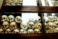 Memories of the genocide [Killing Fields in Phnom Penh, Cambodia] (Chandana Witharanage) Tags: cambodia southeastasia killingsfields phnompenh genocide skulls bones polpot