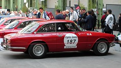 #187 Alfa Roméo 2000 GTV 1971 (seb !!!) Tags: 2017 coupé coach canon 1100d cars course sportive anciennes ancienne old oldtimers populaire paris seb france voiture wagen car tour auto optic 2000 grand palais photo picture foto image bild imagen imagem race racing competition classique classic klassic chrome automobile automovel automovil automobil italie italy italienne italian italia rouge red rosso rojo vermelho rot grise grigio gris grau gray cinza