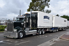Berle Kenworth T904 (Bourney123) Tags: kenworth truck trucks trucking highway haulage diesel penrithtruckshow t904 bdouble berle