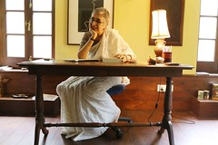 The Tantalizing Glimpse of a Reclusive Novelist in Her Study (Mayank Austen Soofi) Tags: delhi walla writer study manju kapur