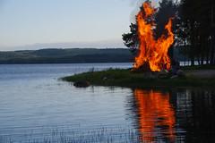Mittumaari (STTH64) Tags: juhannus mittumaari summer finland pielinen misdummer tradition festival fire flames lake reflection trees water feeling