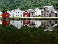 [Reflection] (pienw) Tags: lærdalsøyri norge norway reflection