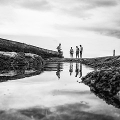 Find Oneself (藍川芥 aikawake) Tags: find oneself bnw blackwhite love reflection mirror people silhouette landscape sea outdoor contrast composition magichour amazing awesome stunning great photo skyline horizon line ricohgr taiwan keelung 和平島
