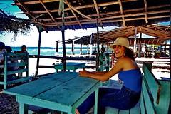 Chiringuito en Cartagena de Indias (gerard eder) Tags: world travel reise viajes america southamerica südamerika sudamérica sudamerica colombia cartagena cartagenadeindias beach strand playa beachlife outdoor chiringuito beachbar