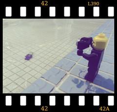 L390  [ RETOUCHED ] (EL JOKER) Tags: el joker les allummers prod jouet juguetes lego vilain super heros heroes heroe pentax gimp gmic linux manjaro creative commons cc by nc nd toy toys piscine swimming pool leet l337 l390 film camera 42 h2g2 2017 macro brique brick