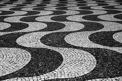 Meander (H&T PhotoWalks) Tags: meander pavement pattern abstract perspective pov pointofview rossio lisboa lisbon portugal tan canoneos400d sigma18250 illusion abitoforder