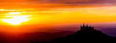 Burg Hohenzollern am Abend (Tria-media_Sven) Tags: zellerhorn sonnenuntergang deutschland badenwürttemberg gebäude burghohenzollern burg castle dämmerung hohenzollern licht sonne badenwuerttemberg building dusk germany light sun sunset
