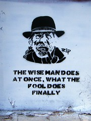 Manchester street art (rossendale2016) Tags: white black smoking pipe old finally fool what once does man wise art street manchester