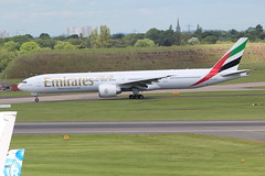 A6-EPR (Dorde Vranjes) Tags: emirates a6epr boeing 77731h taxis towards runway birmingham international airport bhx 09 june 2017 with flight dubai dxb number ek40 aviation airline airliner airplane jet plane aeroplane aerodrome airfield fly flying planespotter planeloggercom planespotting canon photography camera eos flickr enthusiast aircraft airways air apron aeropark atc airliners