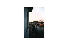 (danischrott) Tags: nikon l35af street graz austria österreich city sunset film analog analogue photography 35mm grain white framed schlosberg