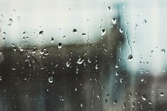 ☆ (PattyK.) Tags: rain raindrops rainyday rainyweather window nikond3100 greece grecia griechenland hellas ellada ioannina giannena epirus amateurphotographer βροχή σταγόνεσ βροχερόσκαιρόσ ελλάδα ιωάννινα