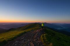 Bieszczady Mountains (Mirek Pruchnicki) Tags: bieszczady bieszczadzkiparknarodowy poranek mountains sunrise morning women turystyka